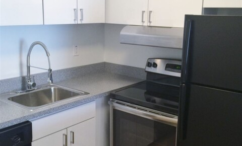 Apartments Near Lawrence Tech Metropolitan Oxford for Lawrence Technological University Students in Southfield, MI