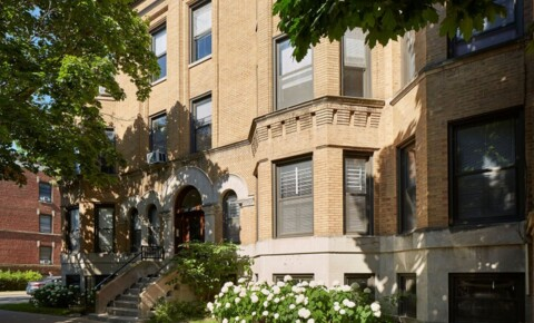 Apartments Near Chicago 5401-5403 S. Woodlawn Avenue for Chicago Students in Chicago, IL