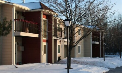 Houses Near Lake State Wood Creek Apartments for Lake Superior State University Students in Sault Ste Marie, MI