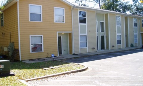 Apartments Near FSU Lone Oak Condominiums for Florida State University Students in Tallahassee, FL