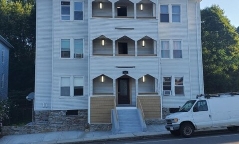Apartments Near Clark 261 Chandler St 1L for Clark University Students in Worcester, MA
