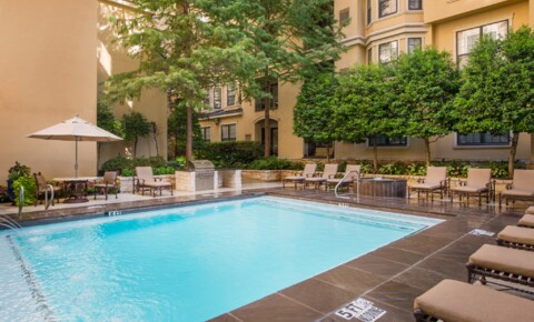 Apartments Near SMU State Thomas Ravello for Southern Methodist University Students in Dallas, TX