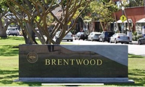 Apartments Near LMU Brentwood Room Available for Loyola Marymount University Students in Los Angeles, CA