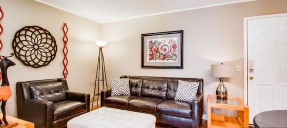 2 bedroom Nashville Central