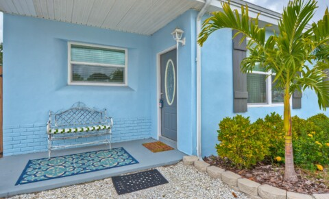 Houses Near Eckerd Gulfport Getaway- 3 Bedroom House for Eckerd College Students in Saint Petersburg, FL